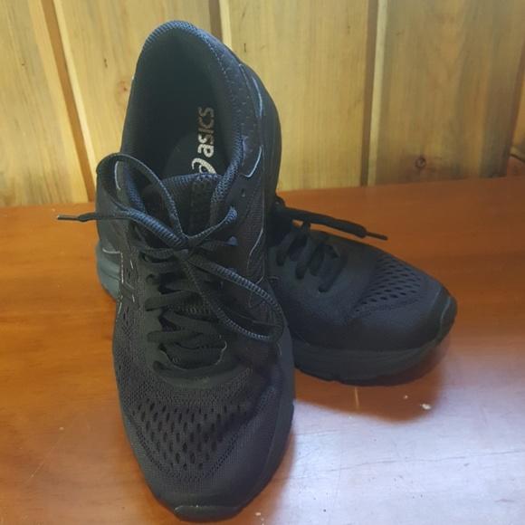 aa6f7fe3a57f Asics Shoes - Women s ASICS GT 1000 6 running shoe size 7.5